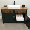 Vanity Unit with towels